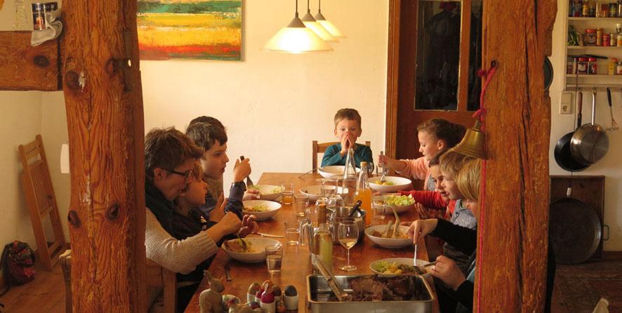 Gemeinsames Essen <strong>Landhausstil</strong>